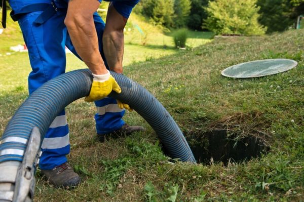 Residential septic tank pumping and service